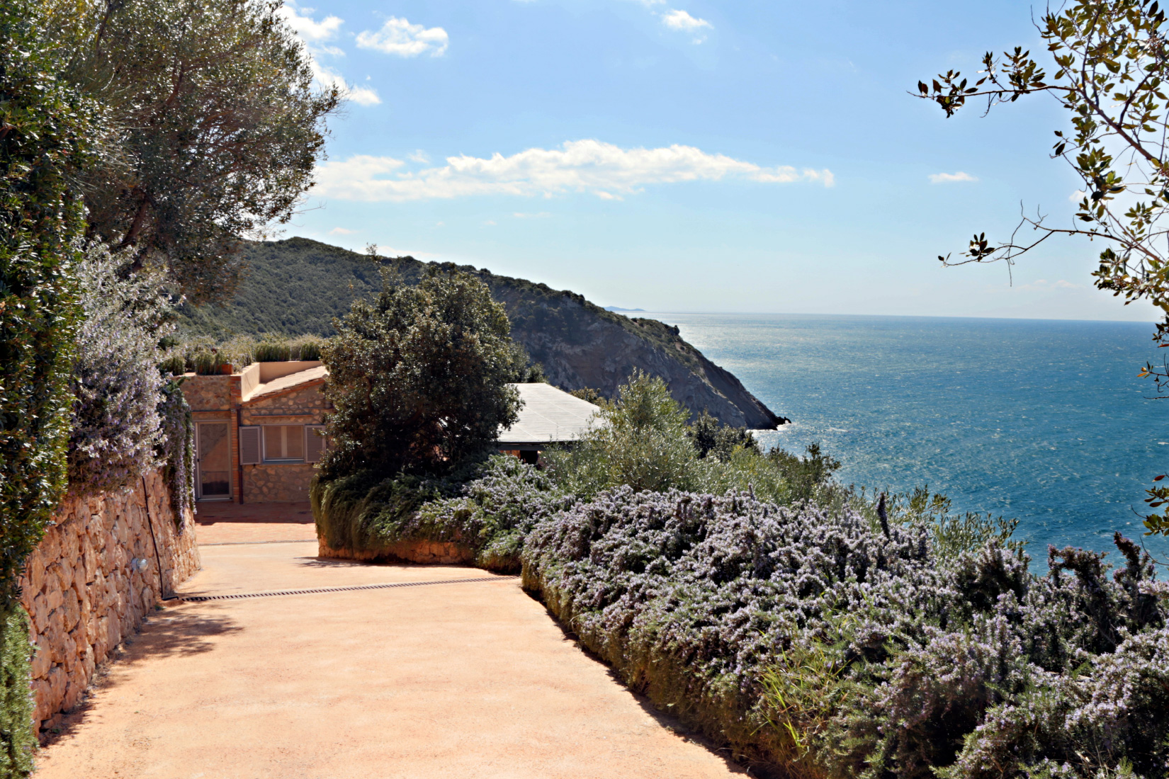 Cottage View At Capo D'Uomo
